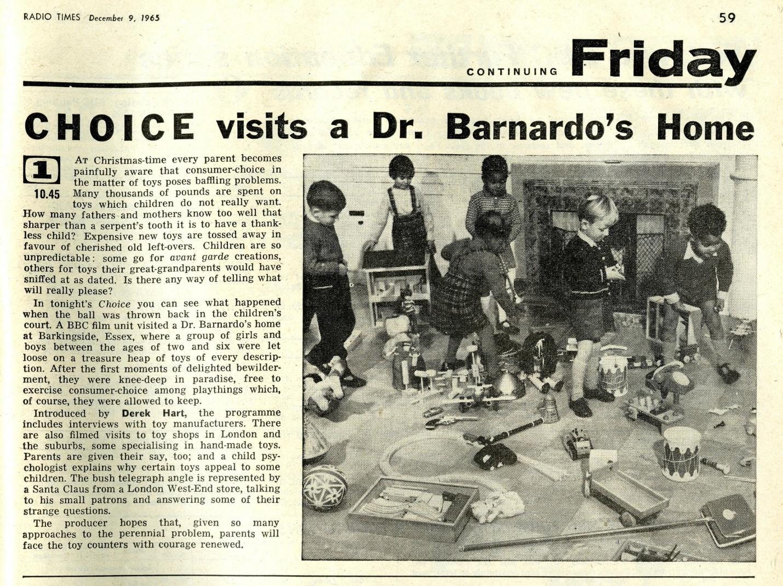 Radio Times, December 11-17, 1965 (showing Codeg clockwork Dalek in centre of photo)