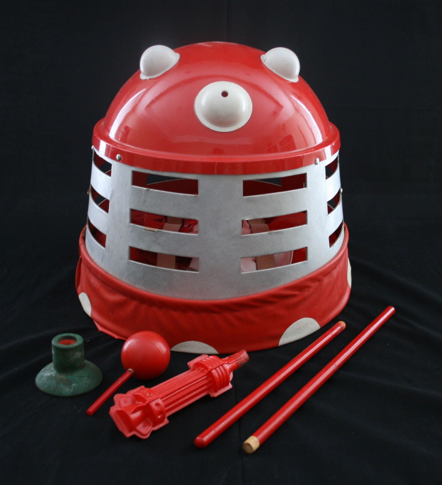 Berwick's Toy Company Ltd., Dalek Playsuit