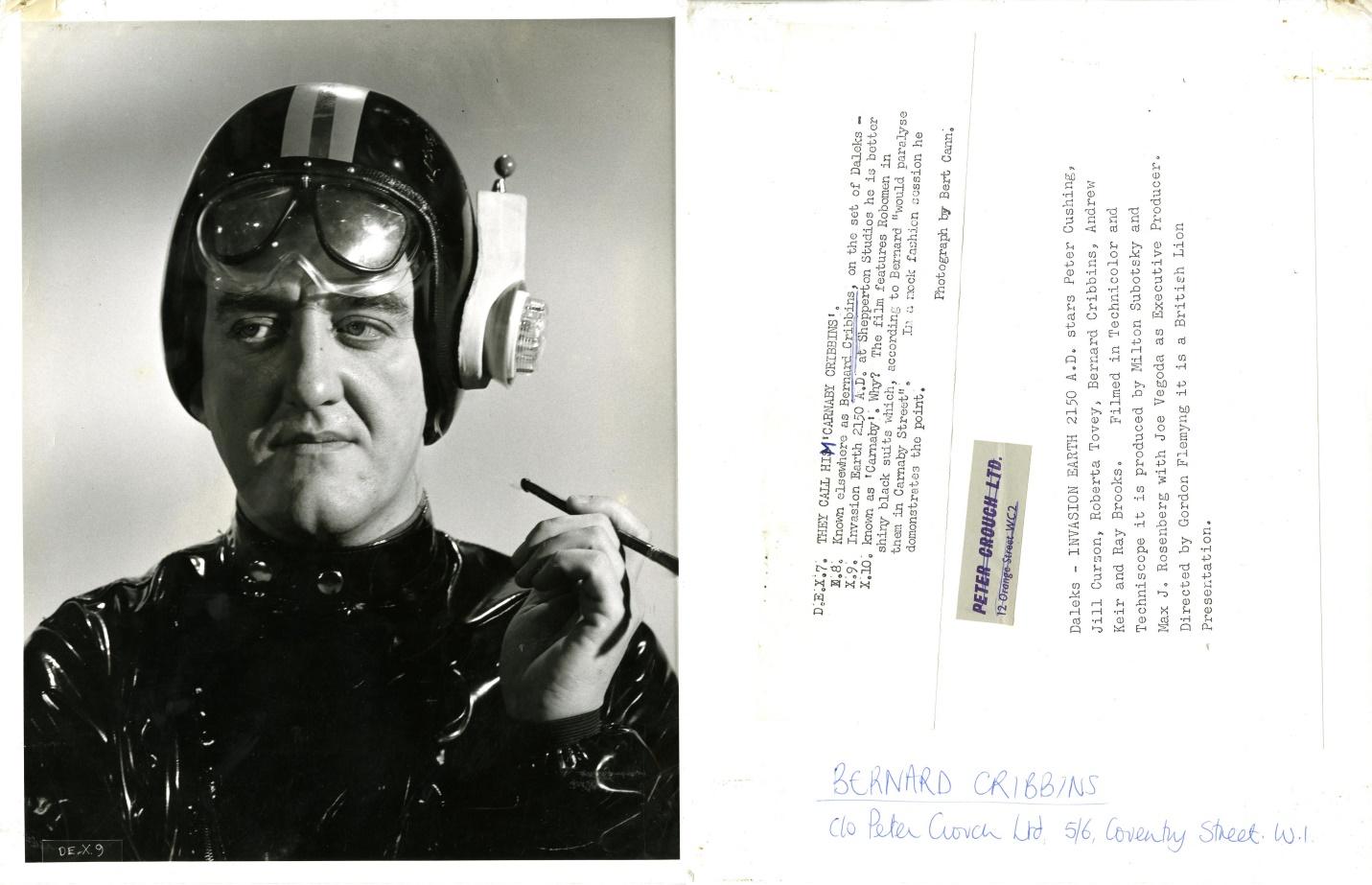 Bernard Cribbins promotional photo (front and back)