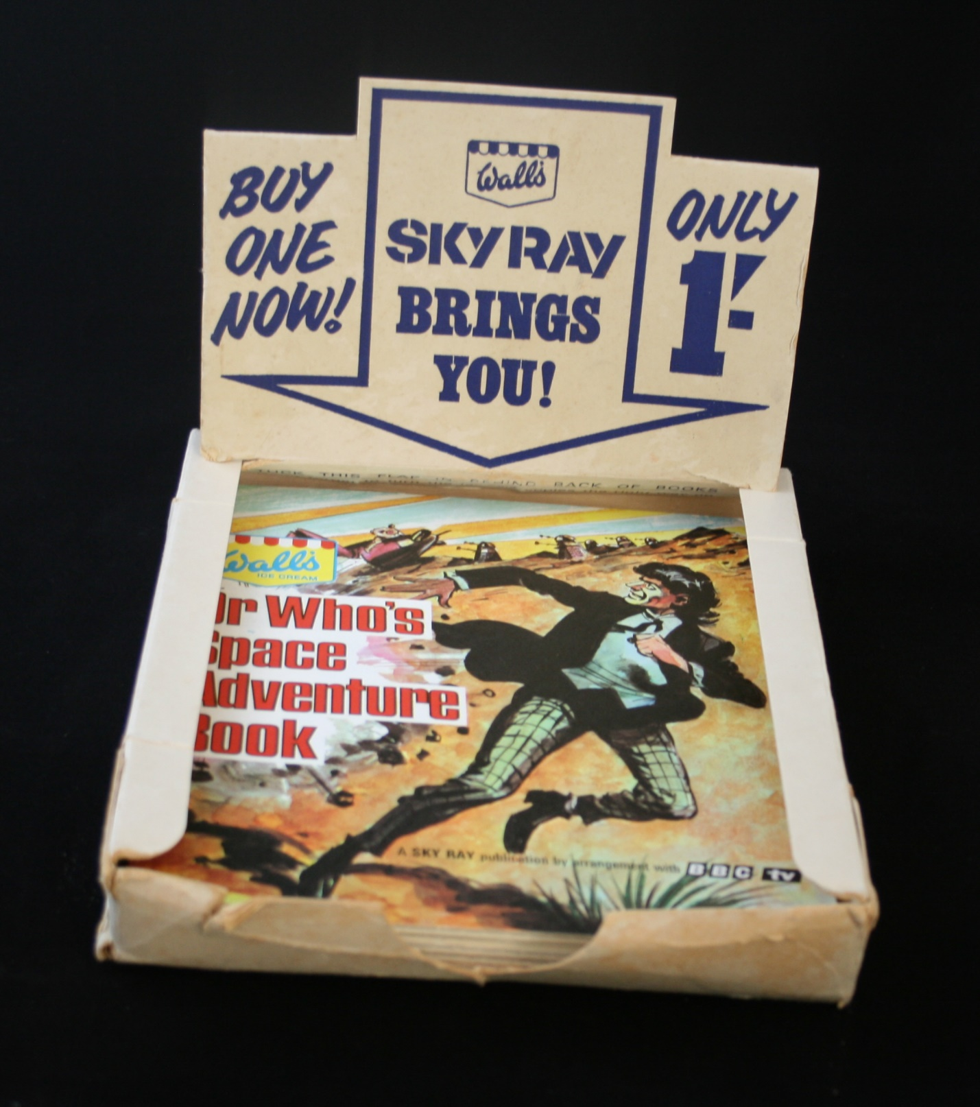Point-of-sale display box for the Wall's Sky Ray Dr. Who's Space Adventure Book