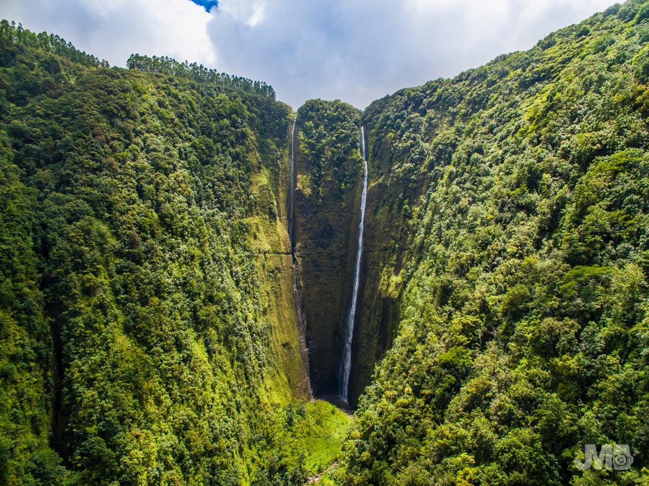 Hi'ilawe Waterfall
