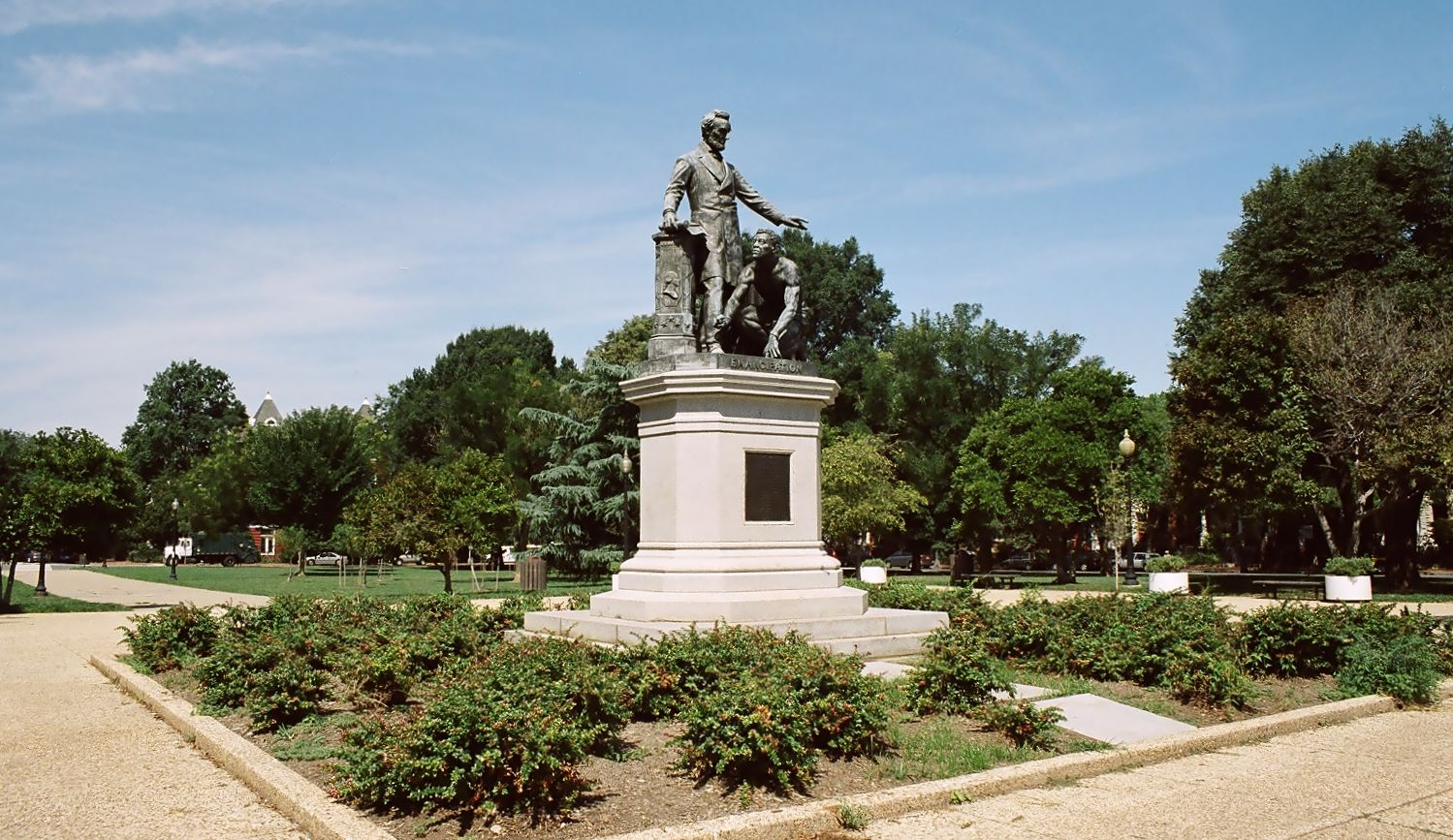 Emancipation Memorial , Washington D.C., (Wikicommons/Yeowatzup).
