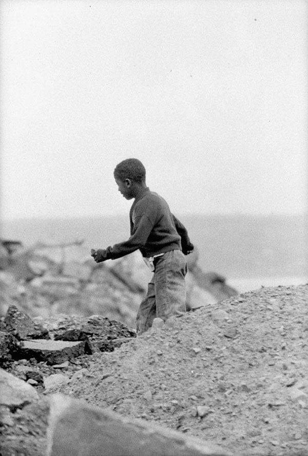 Ted Grant,  Africville – Black Community – Young Black Boy , Halifax, Canada, 1965. ( Library and Archives of Canada )