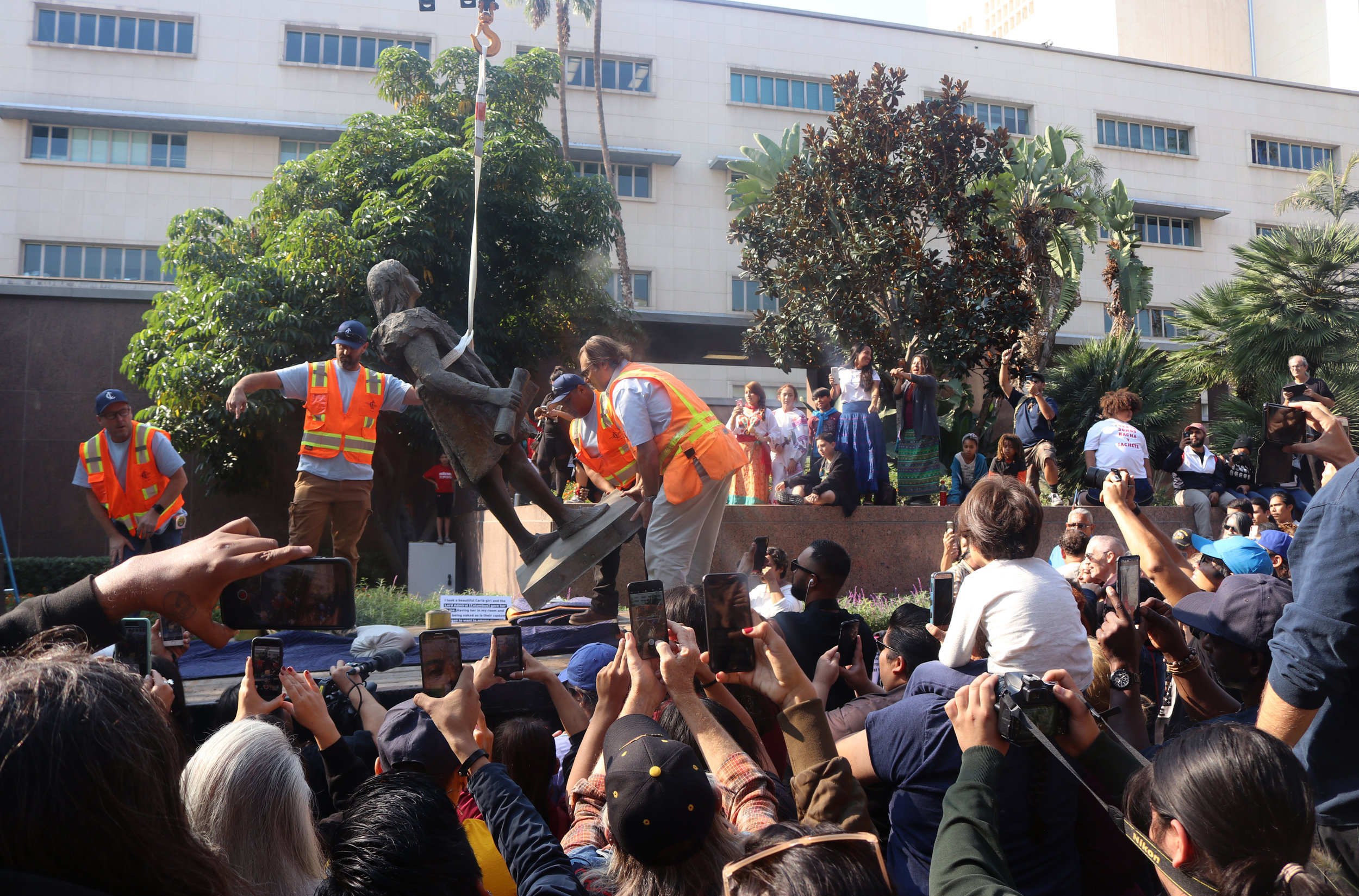 The removal of the Christopher Columbus statue. (Courtesy: Claire Heddles)