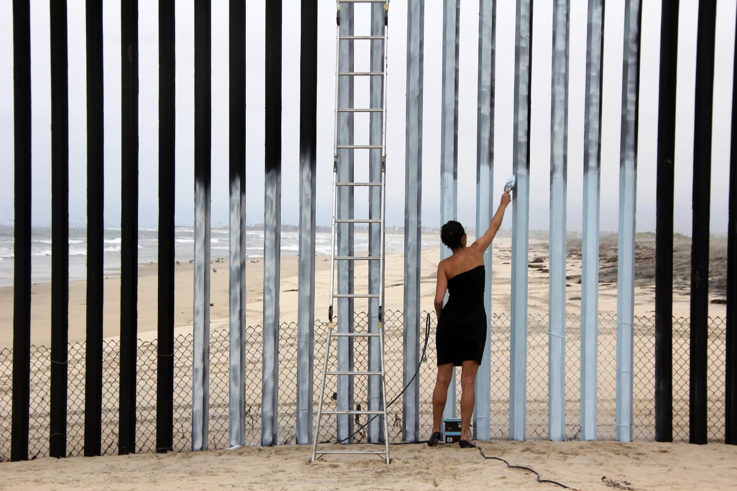 Borrando la Frontera, 2011, Ana Teresa Fernández. Photo by Maria Teresa Fernández
