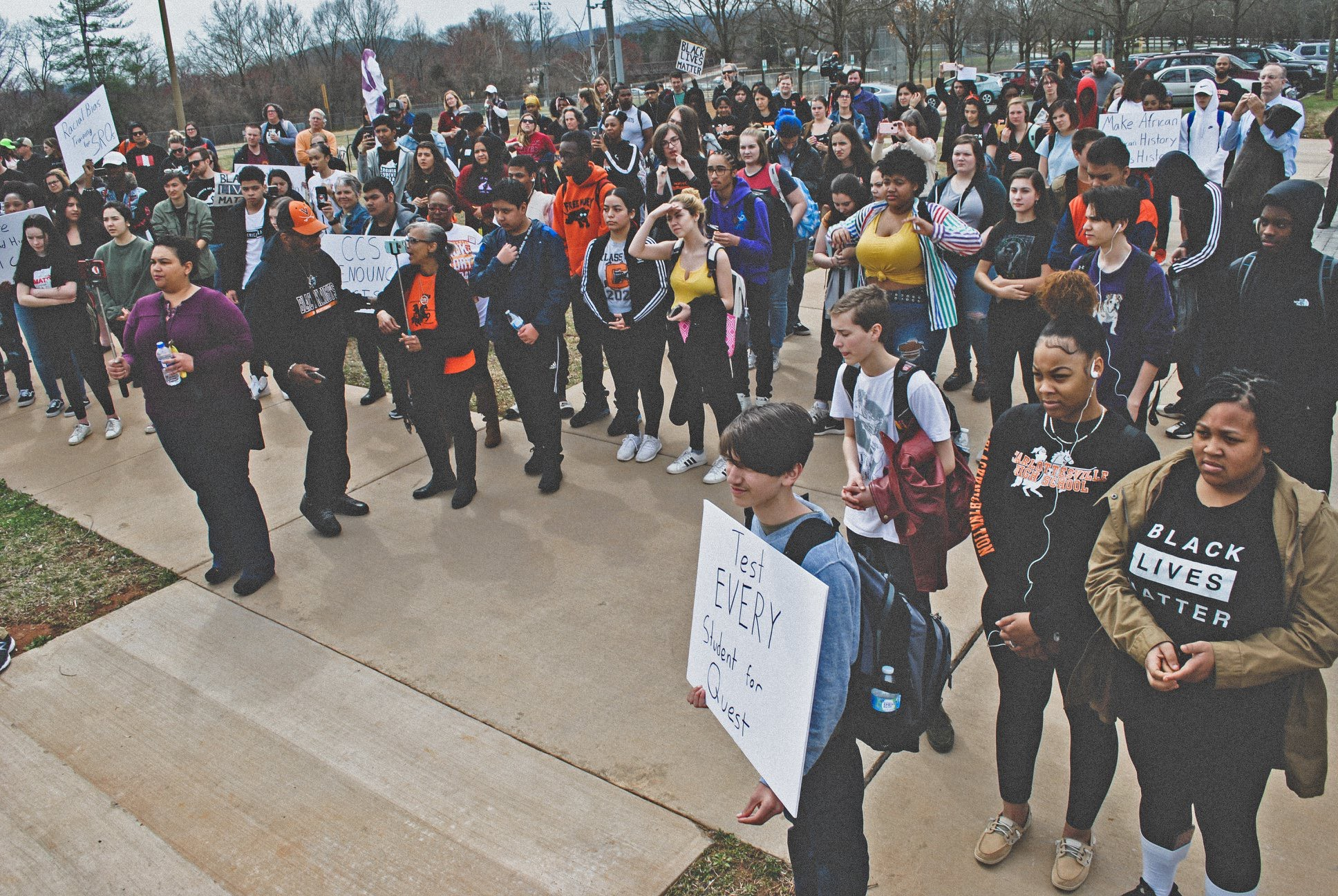 Hundreds of students gather in McIntire park for the BSU's reading of the 10 demands, 2019. (Photo by Locs Image Photography)