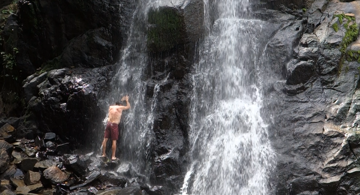 Take a fresh shower - Nagkalit-kalit waterfalls are about 30mins from town on the way to Nacpan. There are two waterfalls ; the first one is good for swimming and cliff jumping, the second one is your natural shower. Though be aware that the falls may run out of water during dry season.