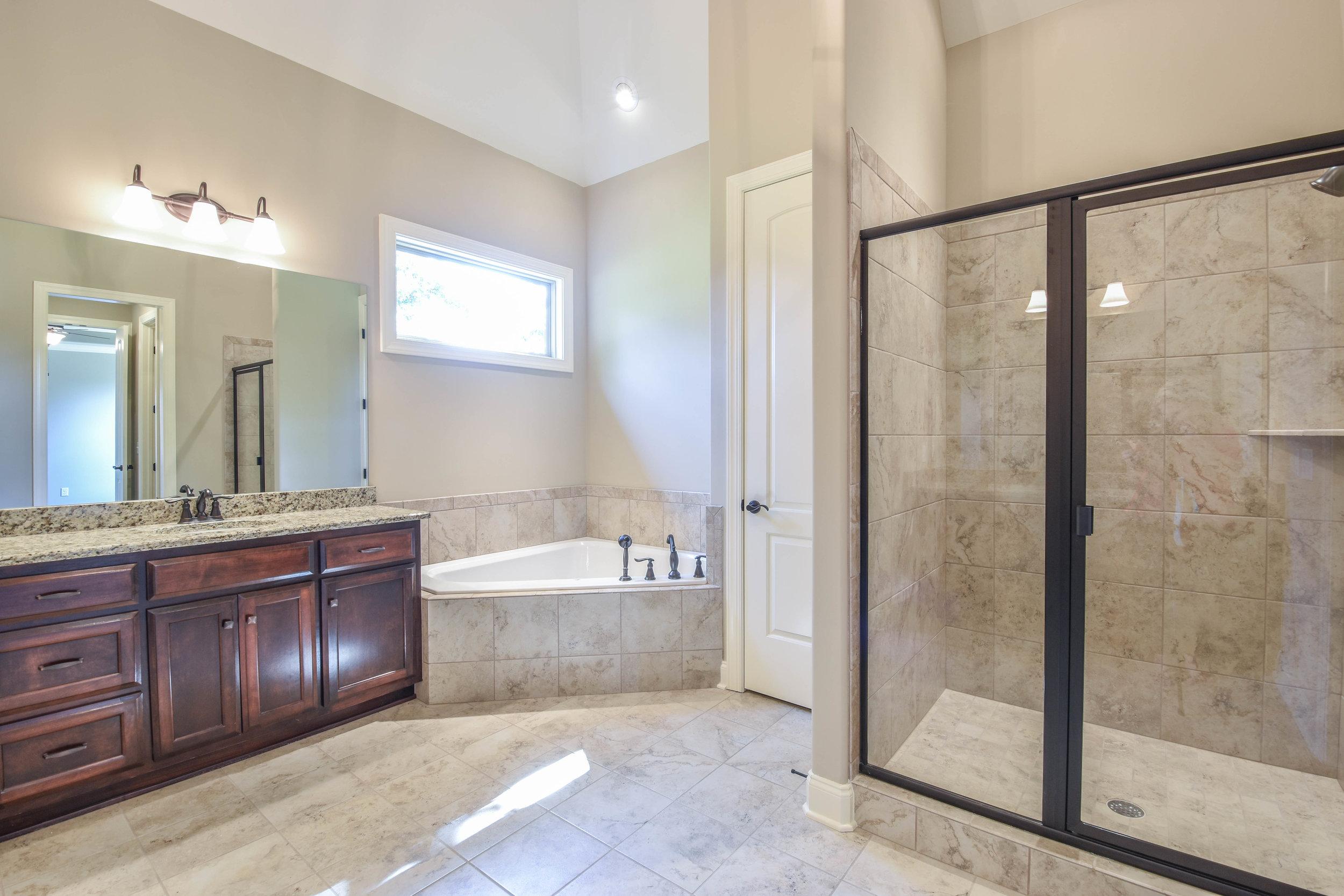 4.Master Bathroom 1.jpg