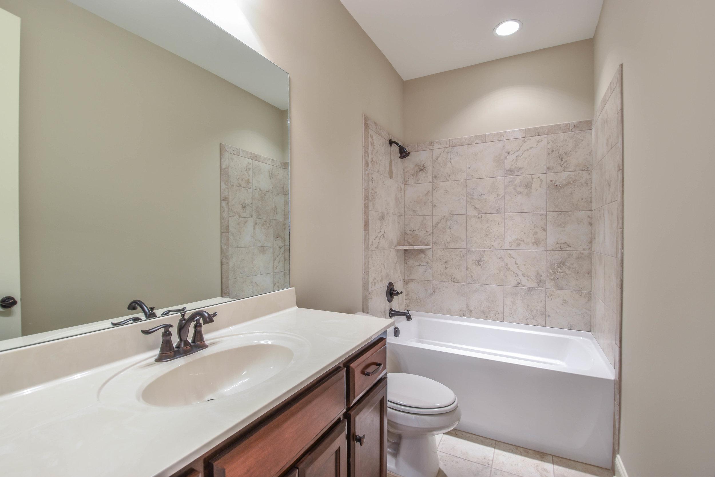 6.Bathroom 1.jpg