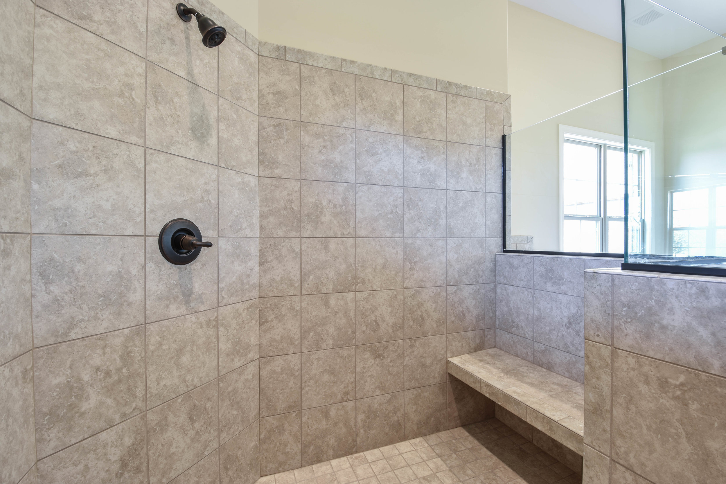 15. Master Bath 4.jpg