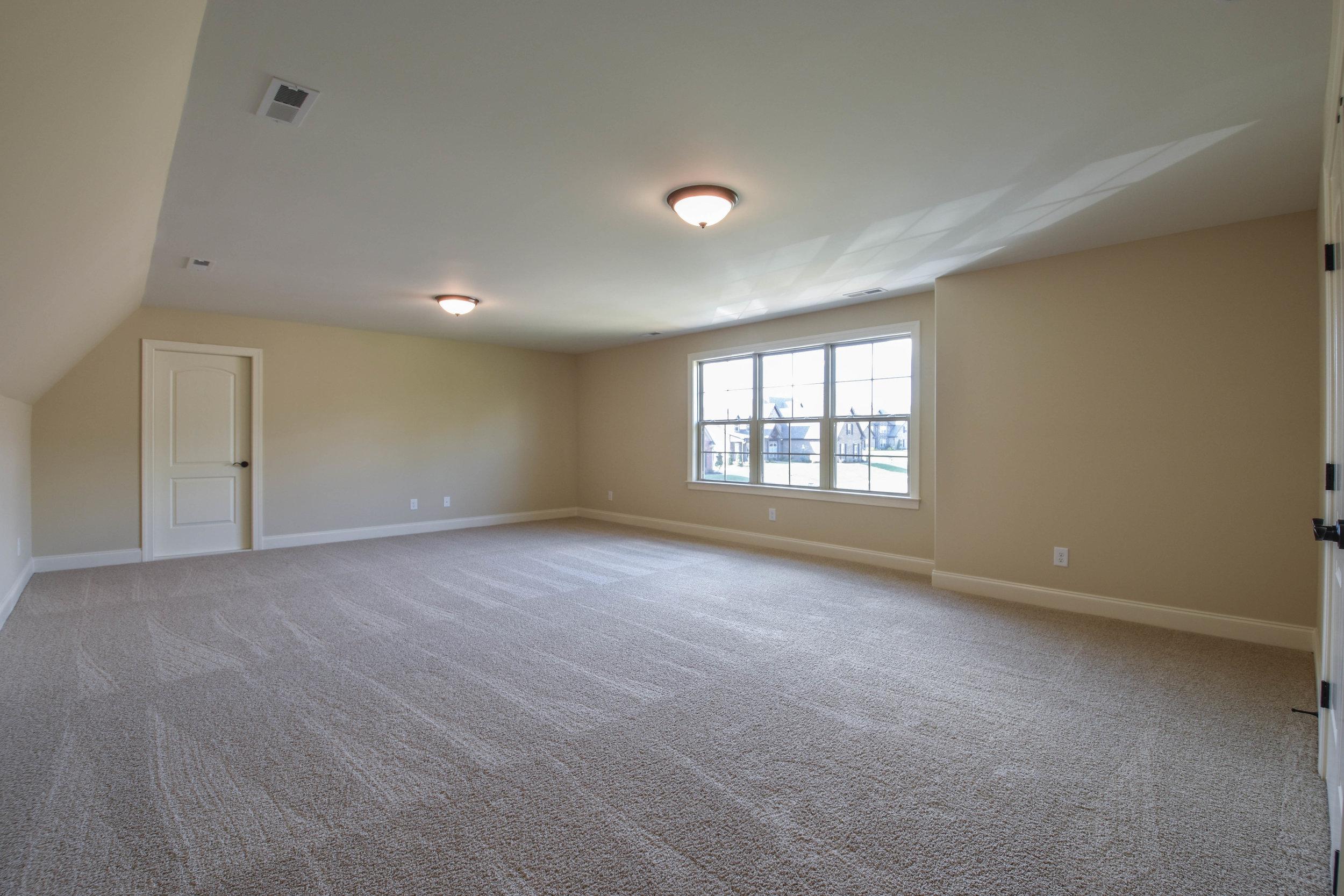 32. Bonus Room 1.jpg