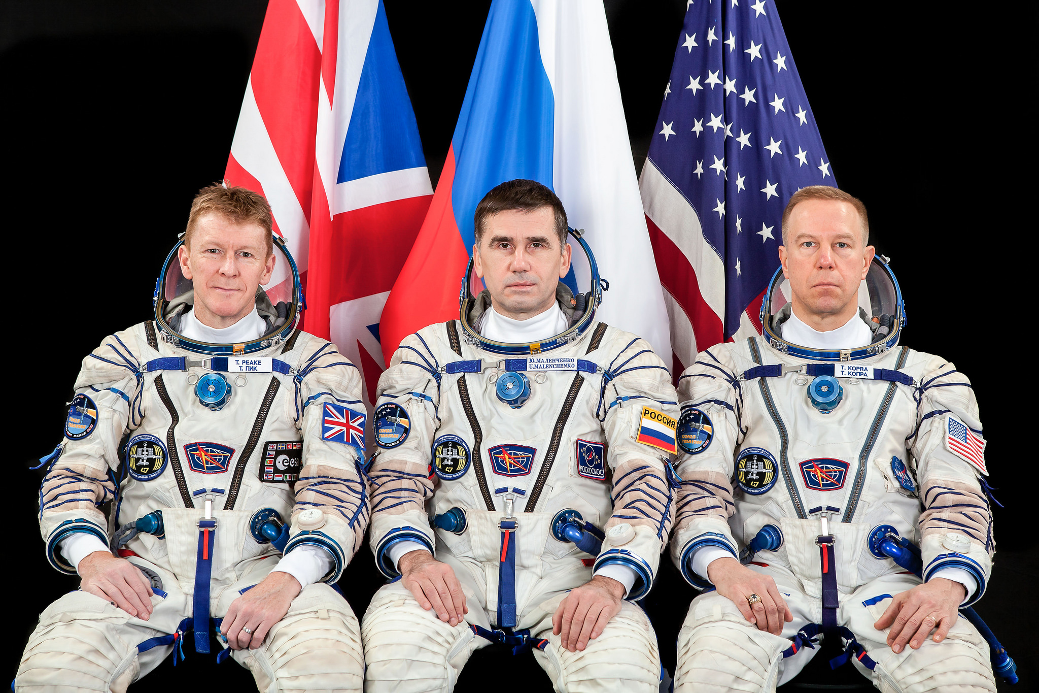 Official Soyuz TMA-19M crew photo