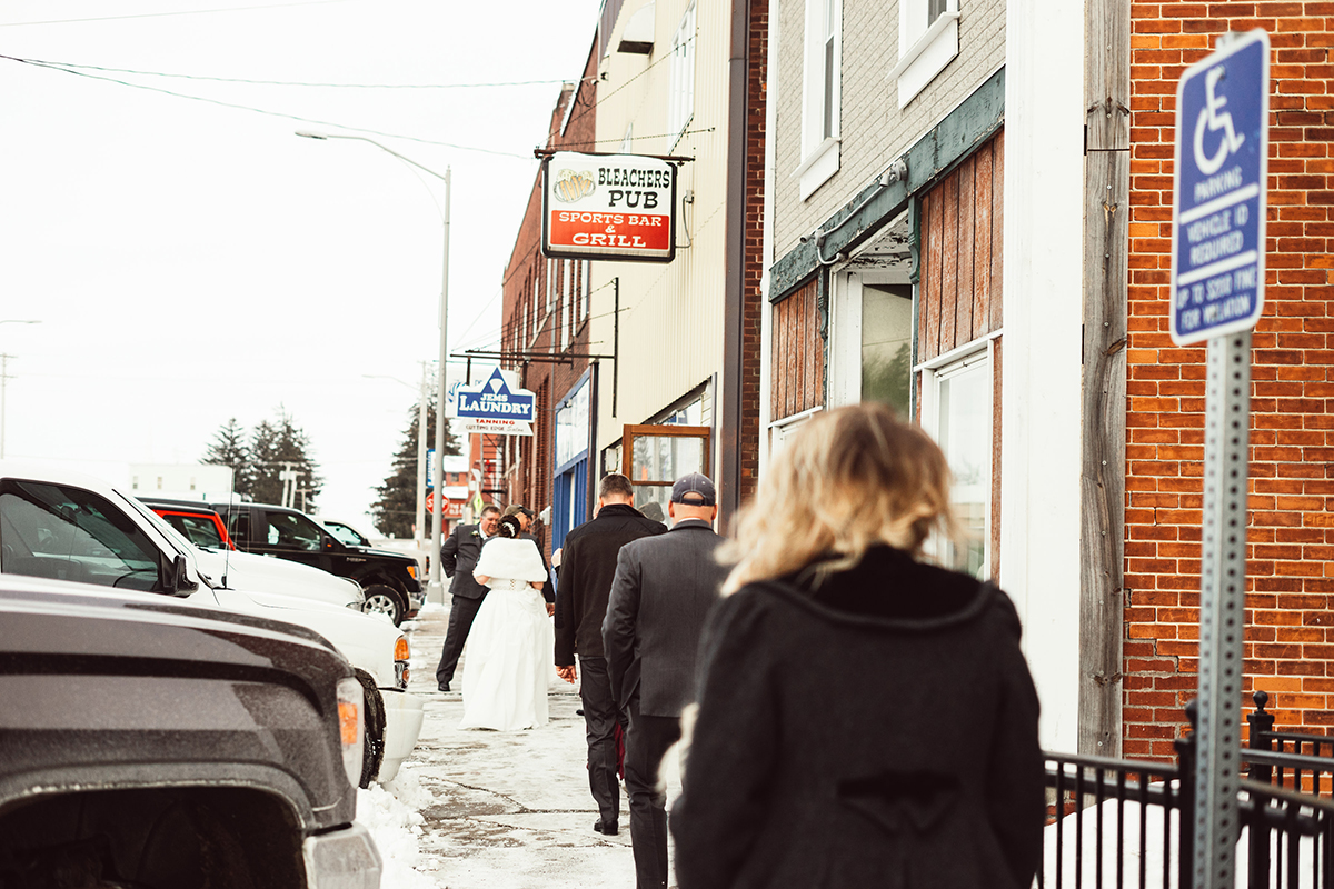 winter-wisconsin-wedding-westby-alyssa-smolen-photography (13).jpg