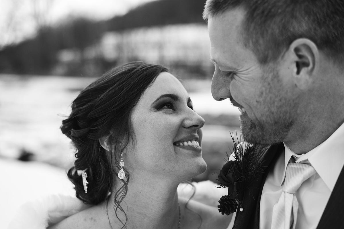 winter-wisconsin-wedding-westby-alyssa-smolen-photography (17).jpg