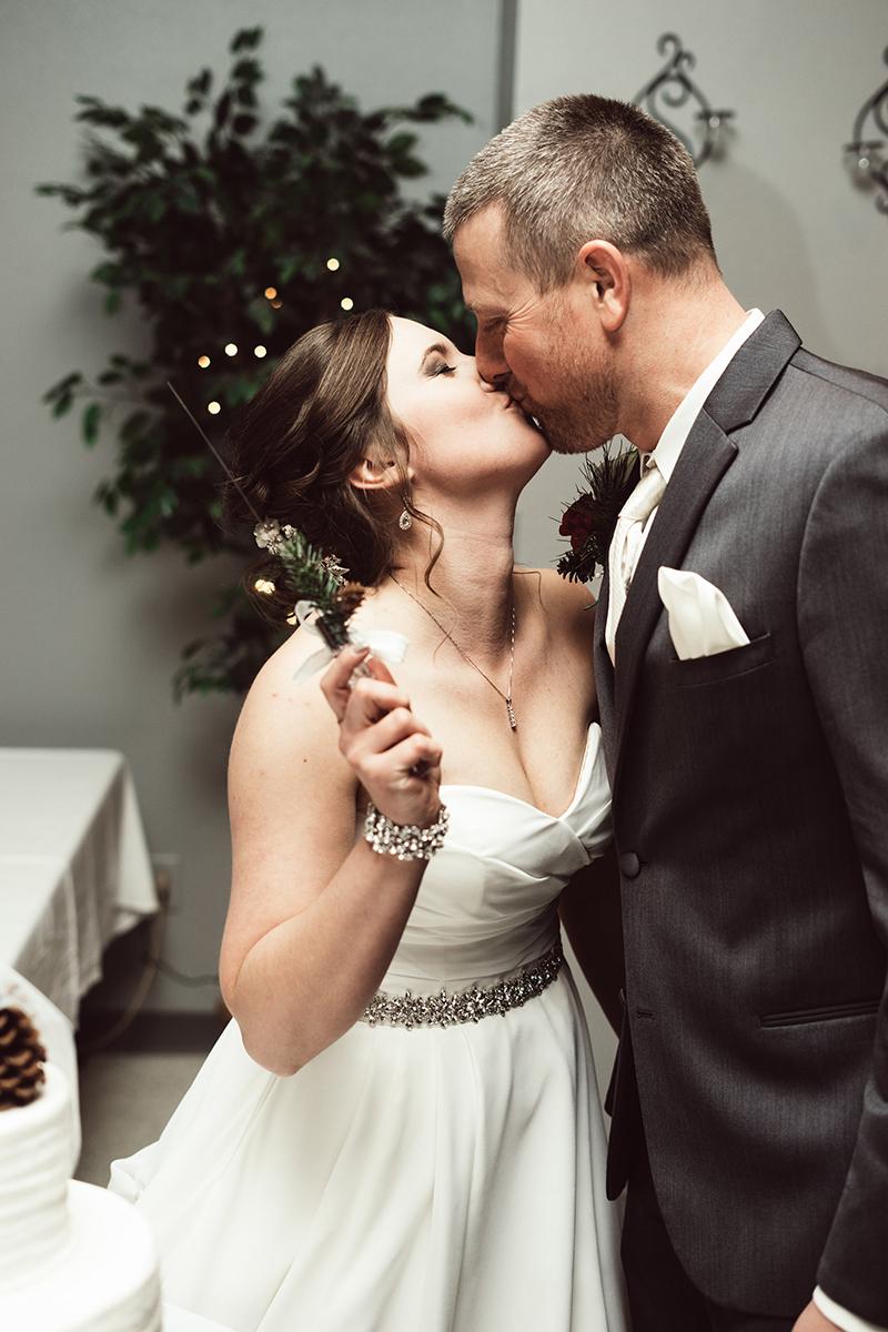 winter-wisconsin-wedding-westby-alyssa-smolen-photography (21).jpg