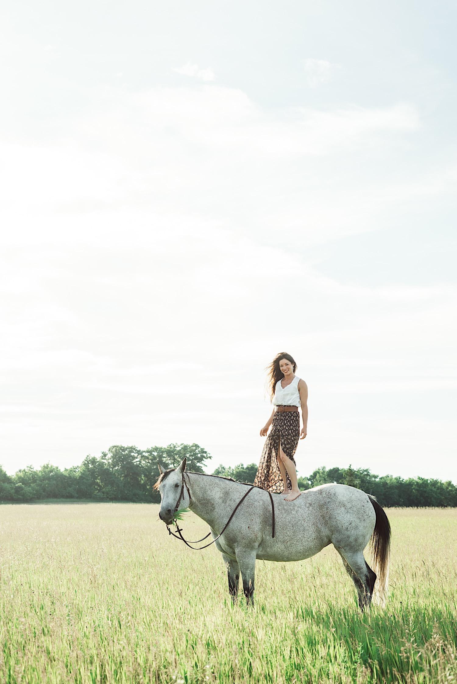 01_horsecouch-40.jpg