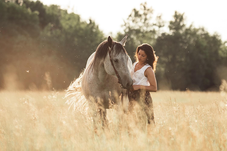 05_horsecouch-160.jpg