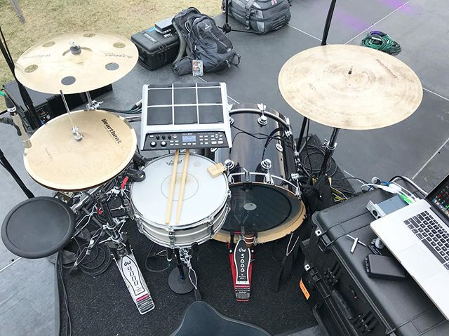 Love this hybrid set-up.  Excited to be rocking this vibe again very soon!