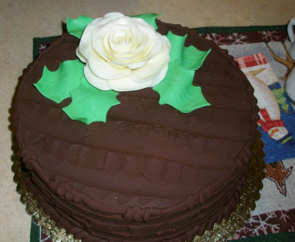 celebration-chocolate-rose-holly-xmas.jpg