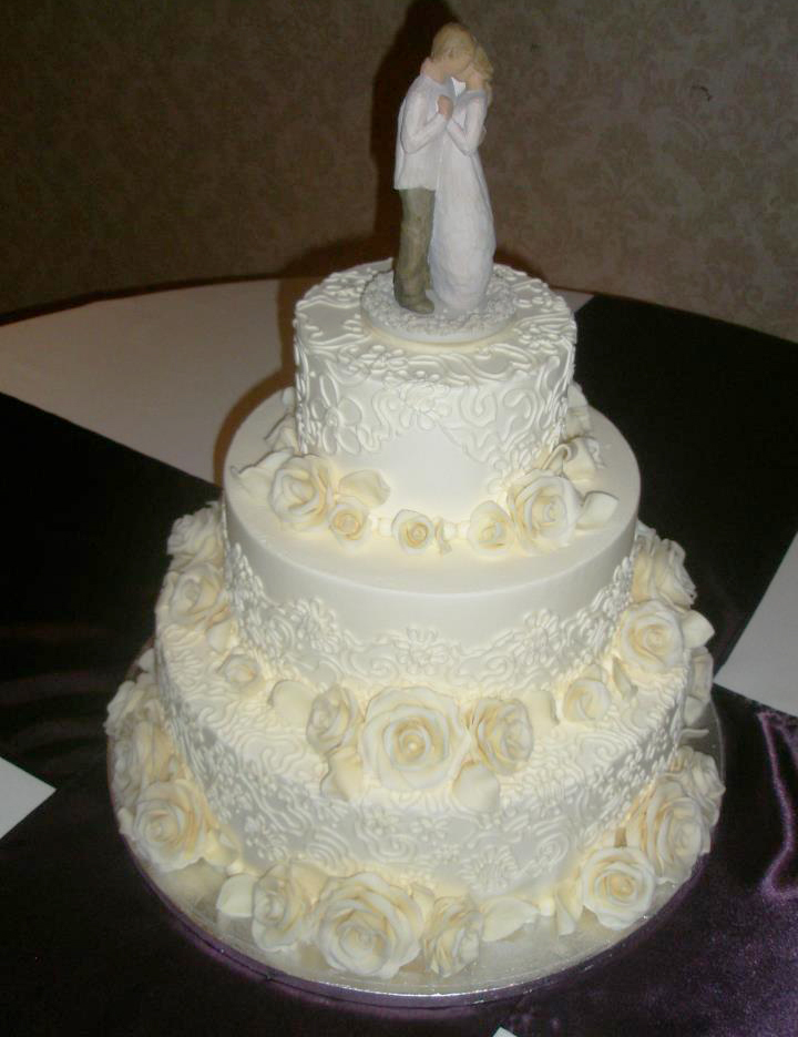 wedding-white-roses-topper.jpg