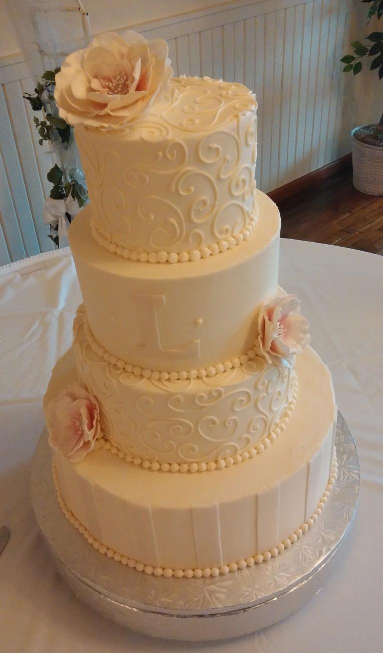 WEB WEDDING CAKE 1030151619a.jpg