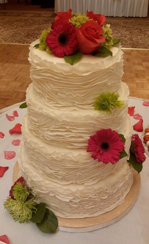 FONDANT RUFFLE CAKE WITH FRESH FLOWERS 0621141618.jpg