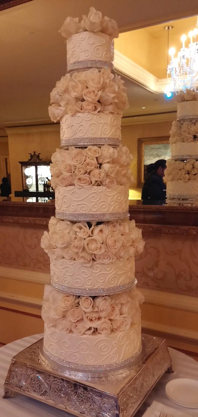 6 TIER FRESH ROSE CAKE 1004141720.jpg