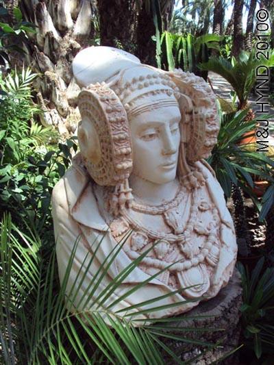 spain elche palmeral Huerto del Cura Priest Garden palm groves Dama de Elche statue