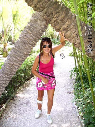 spain elche palmeral Huerto del Cura Priest Garden explore