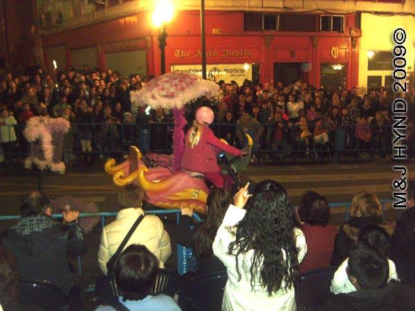 wacky races / parade#2: Spain Alicante Los Reyes Magos Three Kings' Fiesta Spanish Epiphany Christmas season, marching band, holiday parade, Penelope Pitstop on  Compact Pussycat