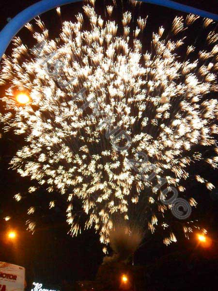 alicante – starburst firework: spain Alicante Fiesta Hogueras de San Juan Bonfires of Saint John, starburst palmera de la virgin firework cascade phosphorus-trail, International Tourist Interest