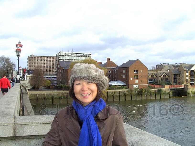 Wandsworth Bridge - very cold