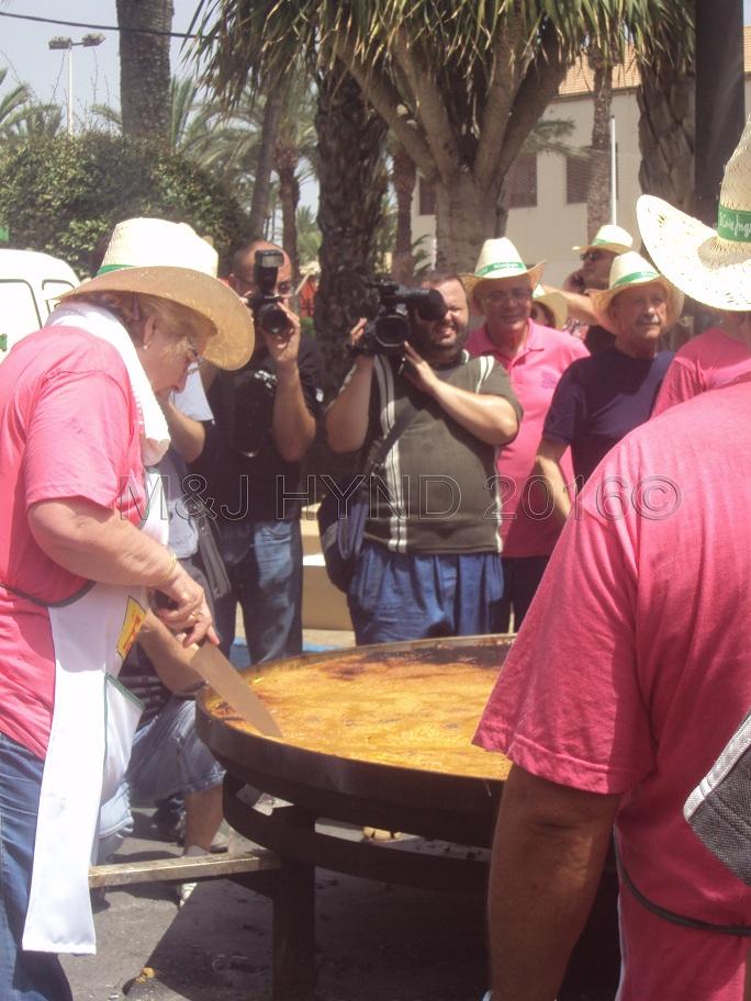Elche Fiesta: Arroz Con Costra (Large) #9
