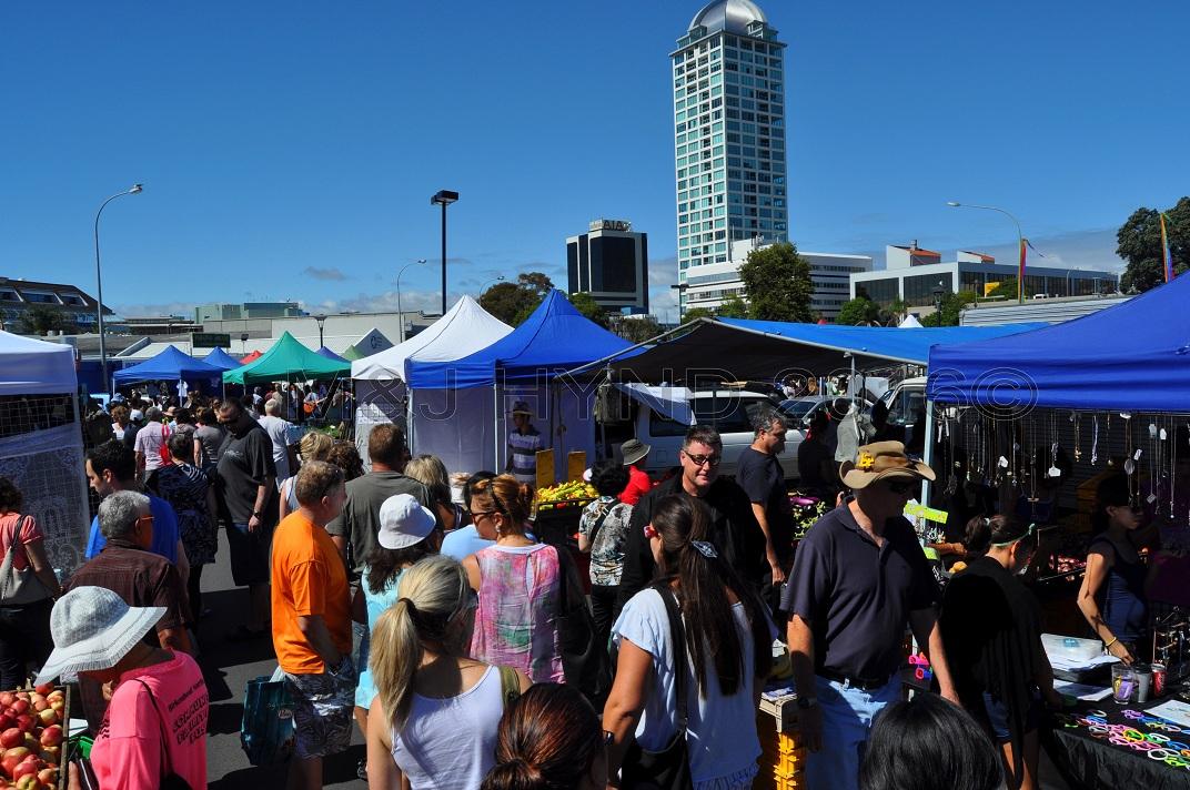 Typical market crowds, Takapuna Sunday Market, NZ