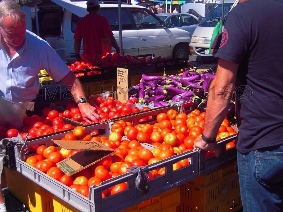 organic tomoatoes, Takapuna Sunday Market, NZ