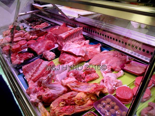 : fresh meat counter