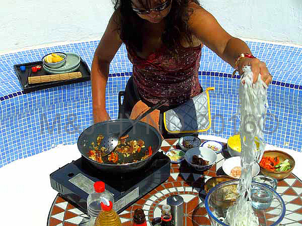 onehand cook Char Koay Teow, Crocpit, Costa Blanca, Spain