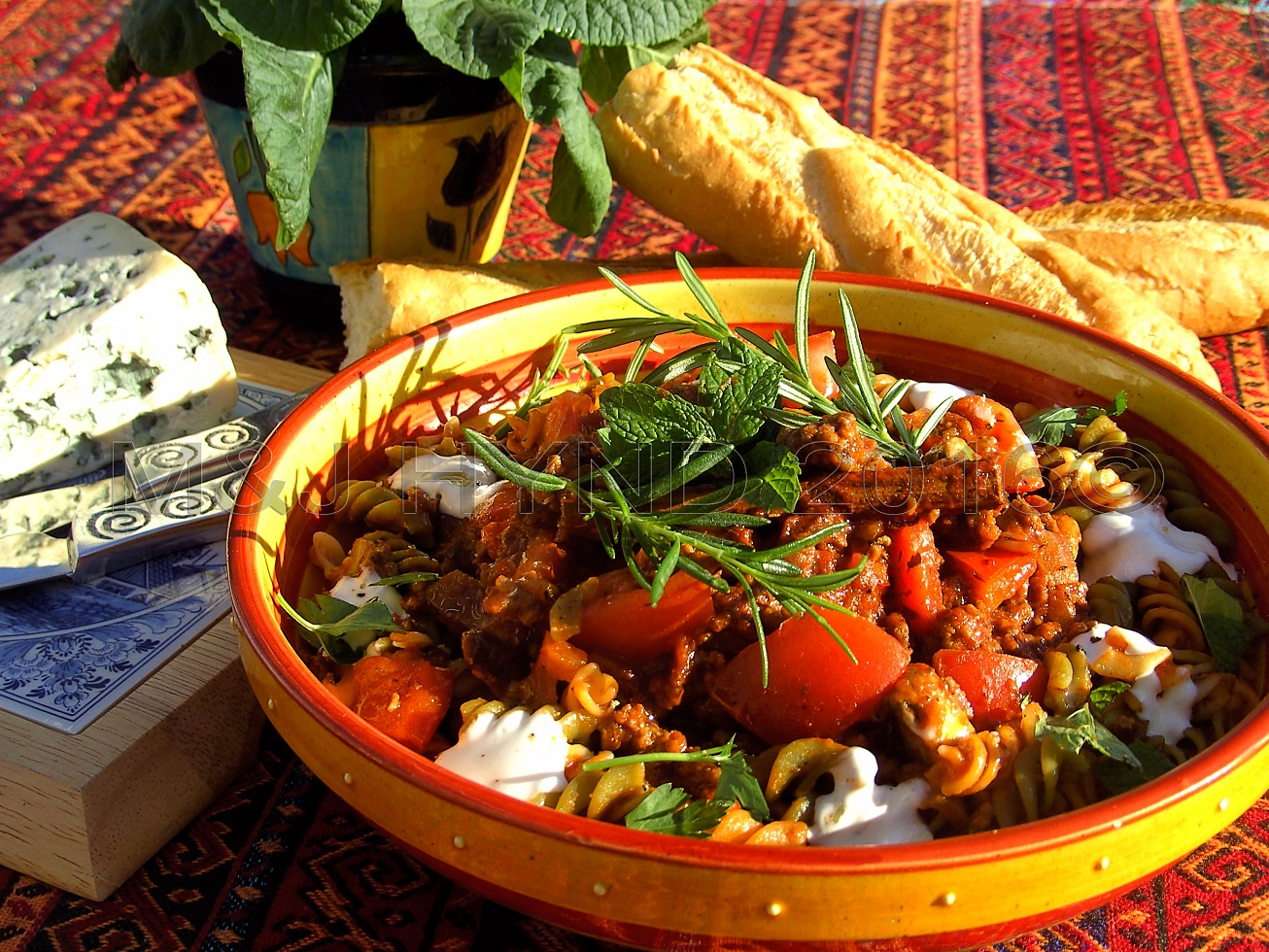 Spaghetti Bolognese,Travels with a One-Handed Cook, recipe, Jacqui Hynd