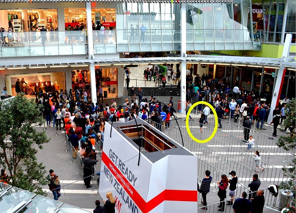 crowds Sylvia Park Shopping Centre, H & M opening day, Auckland NZ