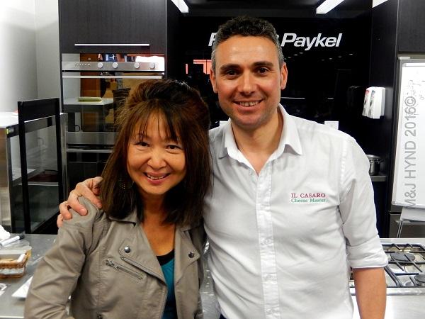 Il Casaro mozzarella demo:  cheese maestro, Auckland, NZ