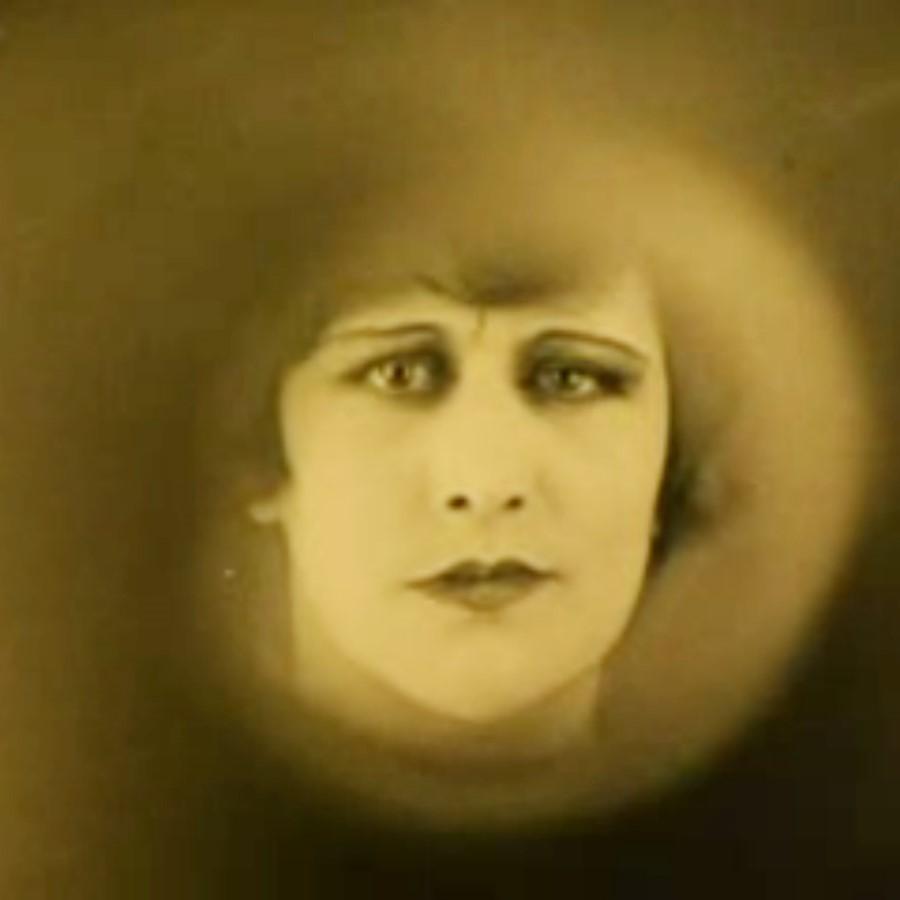 Ma 7 nov 2016     Rotterdam / Stadhuis   L'INVITATION AU VOYAGE (1927)   silent-cinema