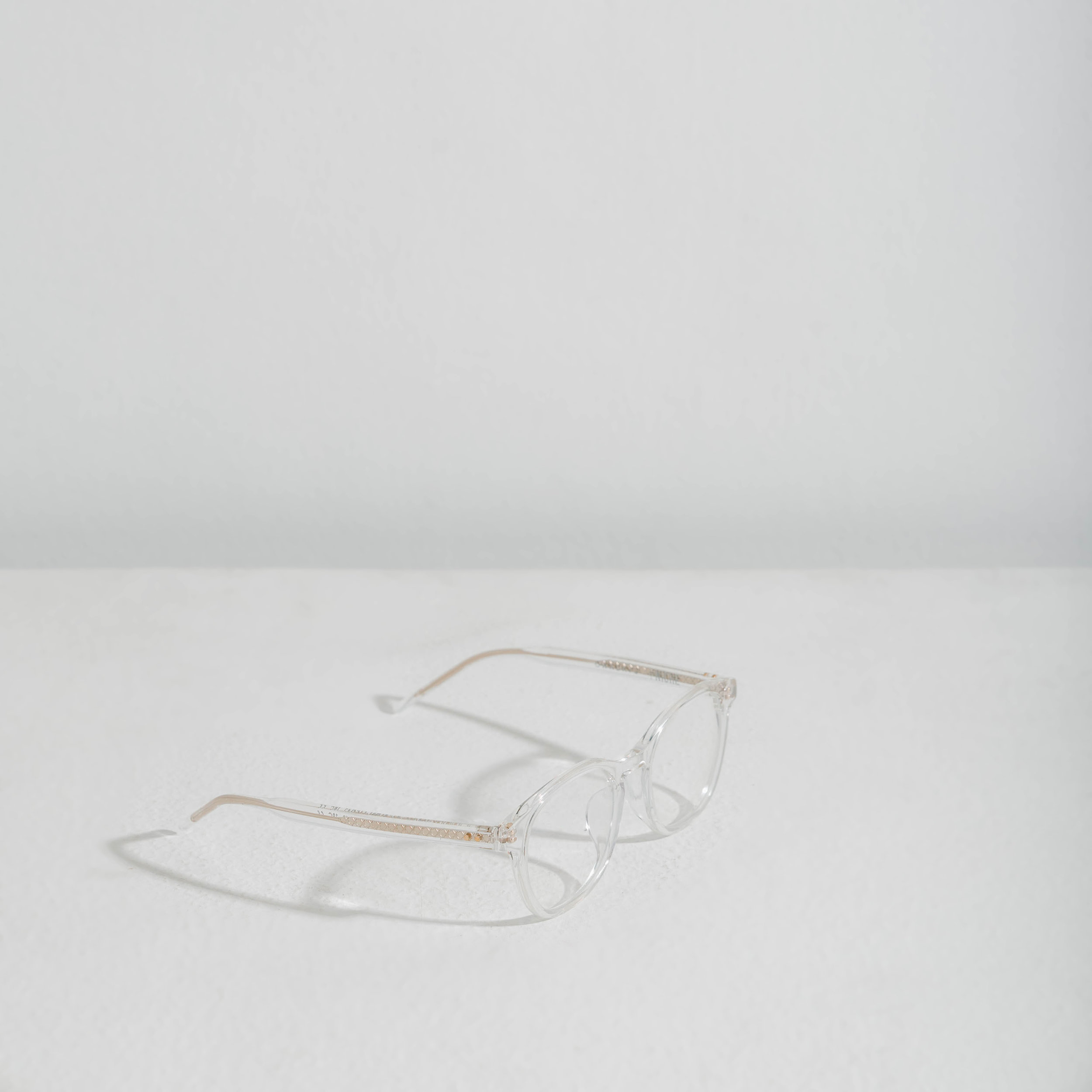 17. OWNDAYS +Niche Clear Glasses