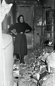 Edie Beale in one of my favorite photos of all time. I am never not thinking about Grey Gardens. Grey Gardens is my resting state of mind.