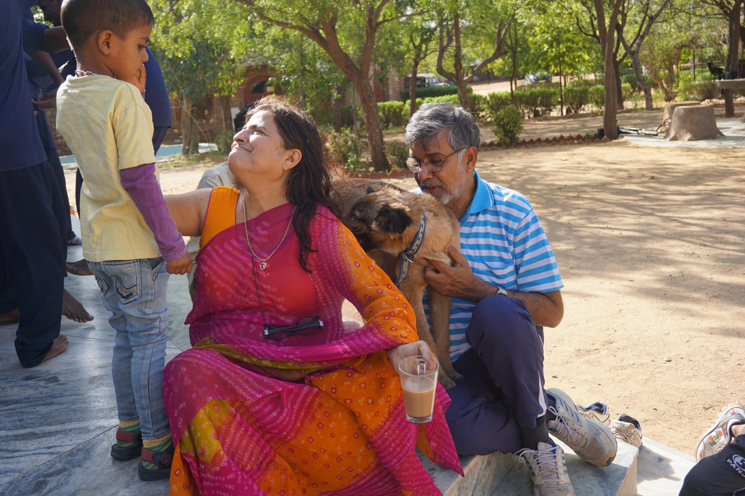 Sumedha and Kailash with kids © Sophia McCarron