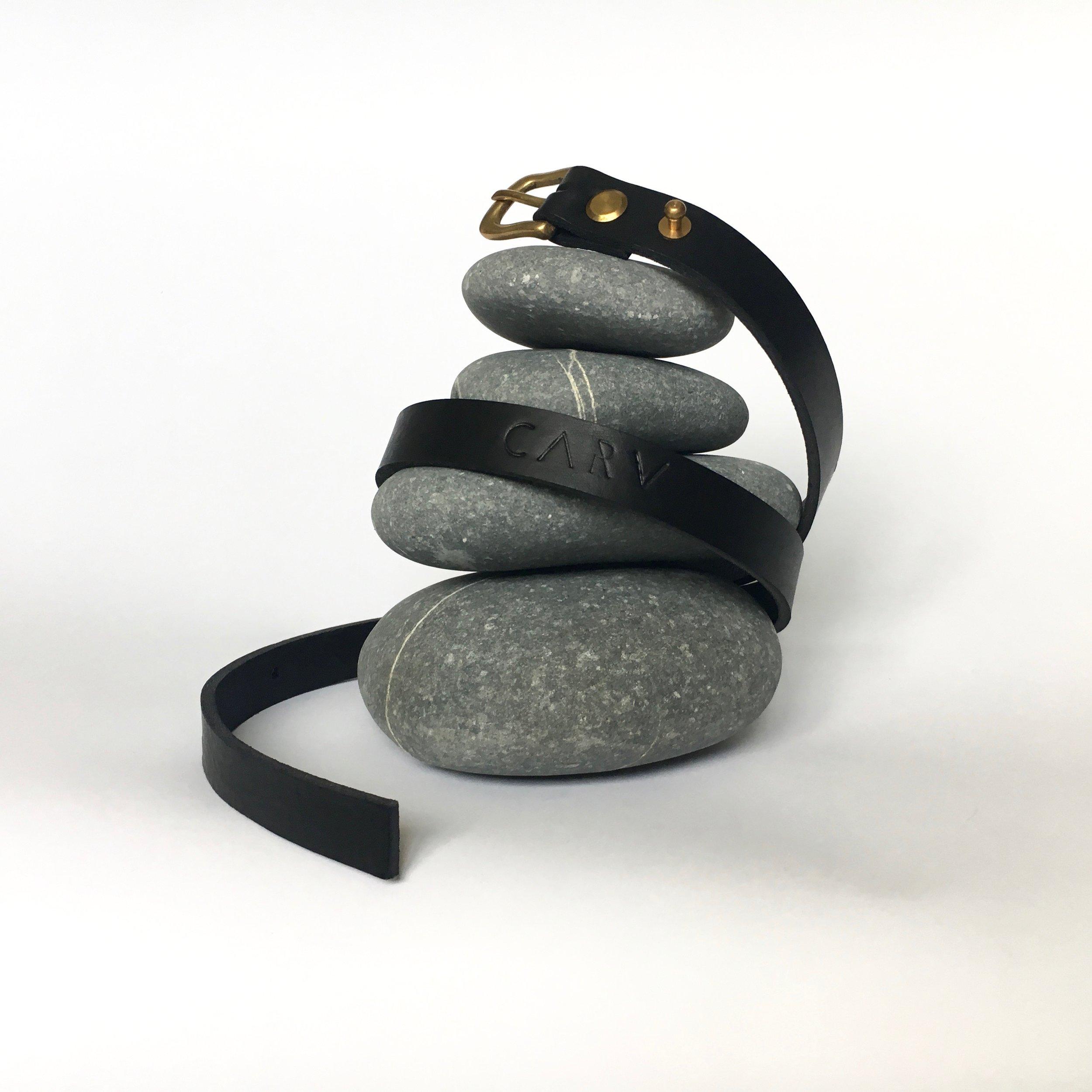Black leather belt CARV