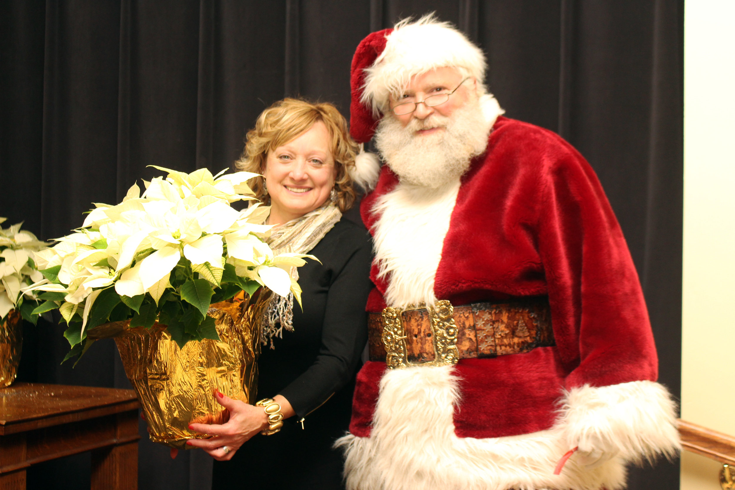 Annette Muska with Santa Claus.JPG