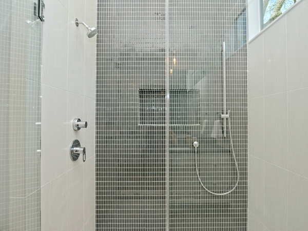020_Master Shower-A.jpg