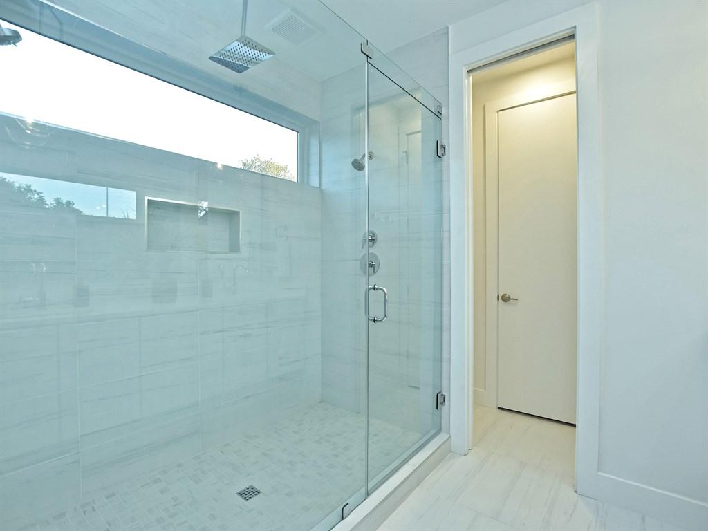 022_Master Bathroom Unit A 2.jpg