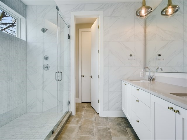 011_Master Bathroom.jpg