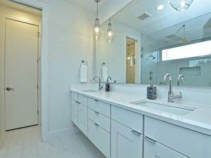 041_Master+Bathroom+Unit+B.jpg